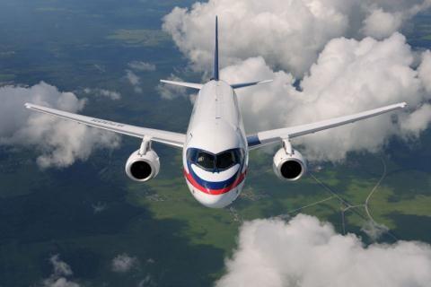 Nga tu trang bi sieu dinh vi cho may bay SSJ100